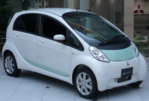 三菱自動車の電気自動車「i-MiEV」。Photo form Wikimedia Commons