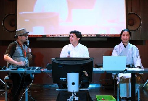 左からテリー植田さん(司会)、大野さん、五十川さん