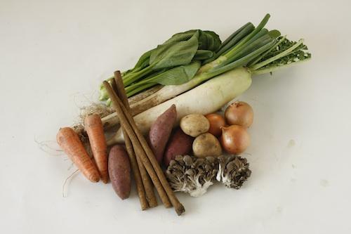 野菜セットの一例。土付きで届くのもうれしい!