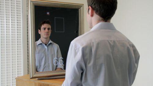 鏡の下の部分に映っている数字が心拍数です。(イメージ)