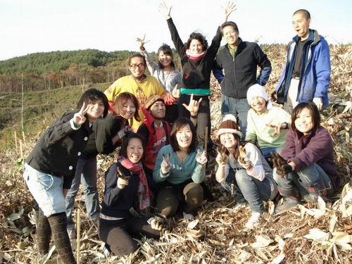 植樹イベントには、セヴァン・スズキさんや中村隆市さんが出席した