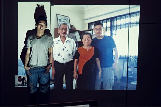 カンさんが「Being Together」で家族と撮った写真
