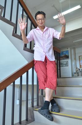 「みんなで水都大阪へ遊びに来てくださいね!」と、嘉名先生。 (c)楢 侑子