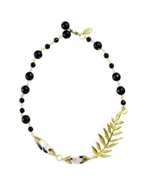 黒珊瑚をあしらったHASUNAのネックレス。メインのモチーフはウィルクスです。