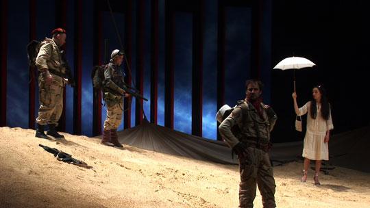 海外の劇団との提携も ©2012 Laboratory X, Inc.