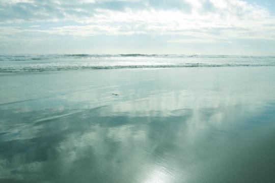 noraからもすぐ行ける距離にある九十九里浜。サーファーが年中集う。PHOTO: SHINICHI ARAKAWA