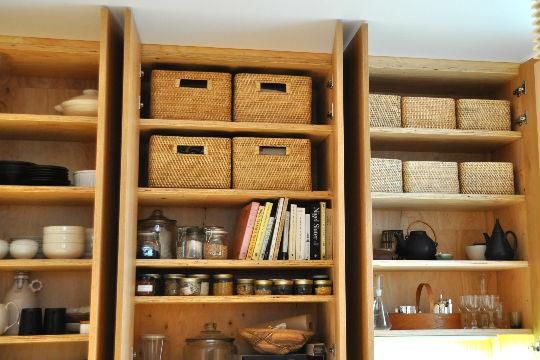 無印良品のアイテムは、小物から収納家具まで、モジュール(基準寸法)に合わせて設計されています。