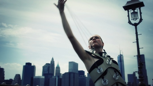 Human-Harp-Brooklyn-Bridge-Reach