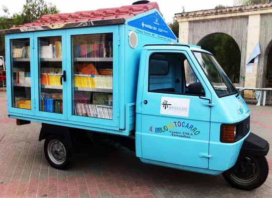 bibiliomotocarro_library_truck